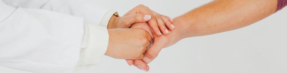 népi gyógymódok a kezek pikkelysömörének kezelésére vörös foltok jelennek meg a hónalj alatt és lehámoznak