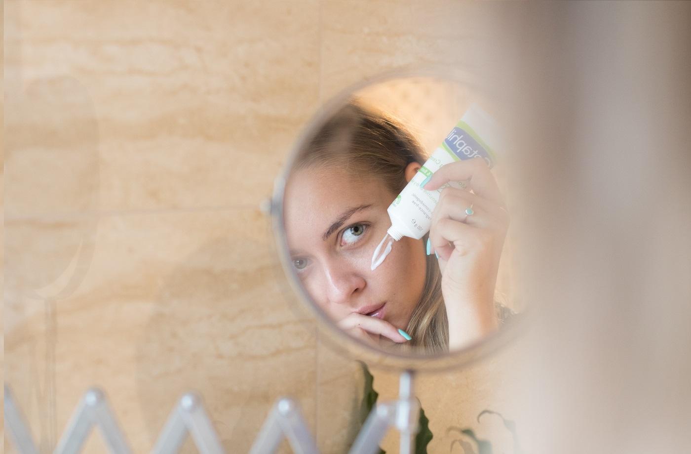 hogyan kell kezelni a pikkelysömör képeket pikkelysömör okozza kezelés fotó