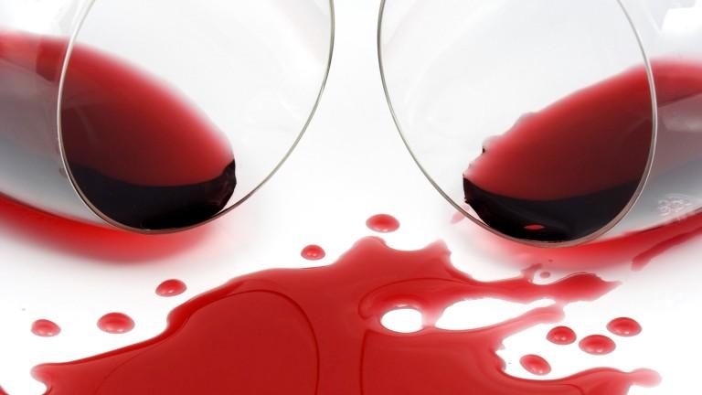 a test viszket és vörös foltok jelennek meg