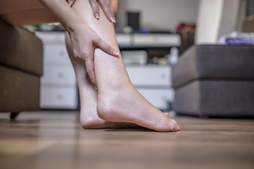 vörös fájdalomfoltok a lábakon vörös foltok a bőrön időseknél