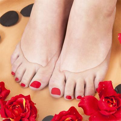 hogyan lehet eltávolítani a vörös foltokat a sarok bőrkeményedéséből