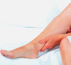 vörös foltok jelentek meg a lábak alján folyamatosan viszkető test és vörös foltok