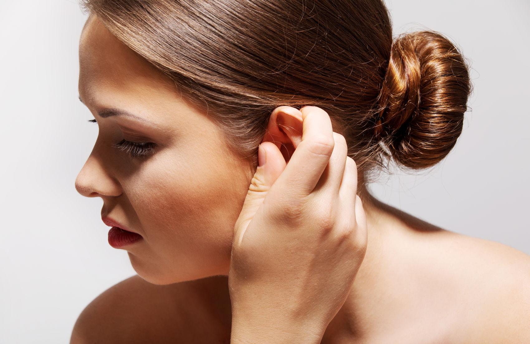 Fülviszketés